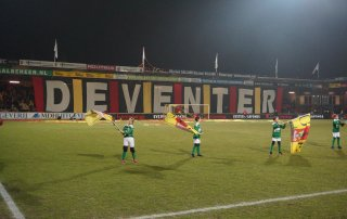 Takeldoek Deventer bij Go Ahead Eagles - PEC Zwolle (19 oktober 2014, 3-2 winst)
